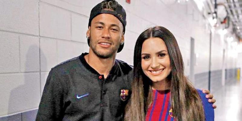 Neymar Jr. exibe tatuagem e fãs comparam com a de Demi Lovato