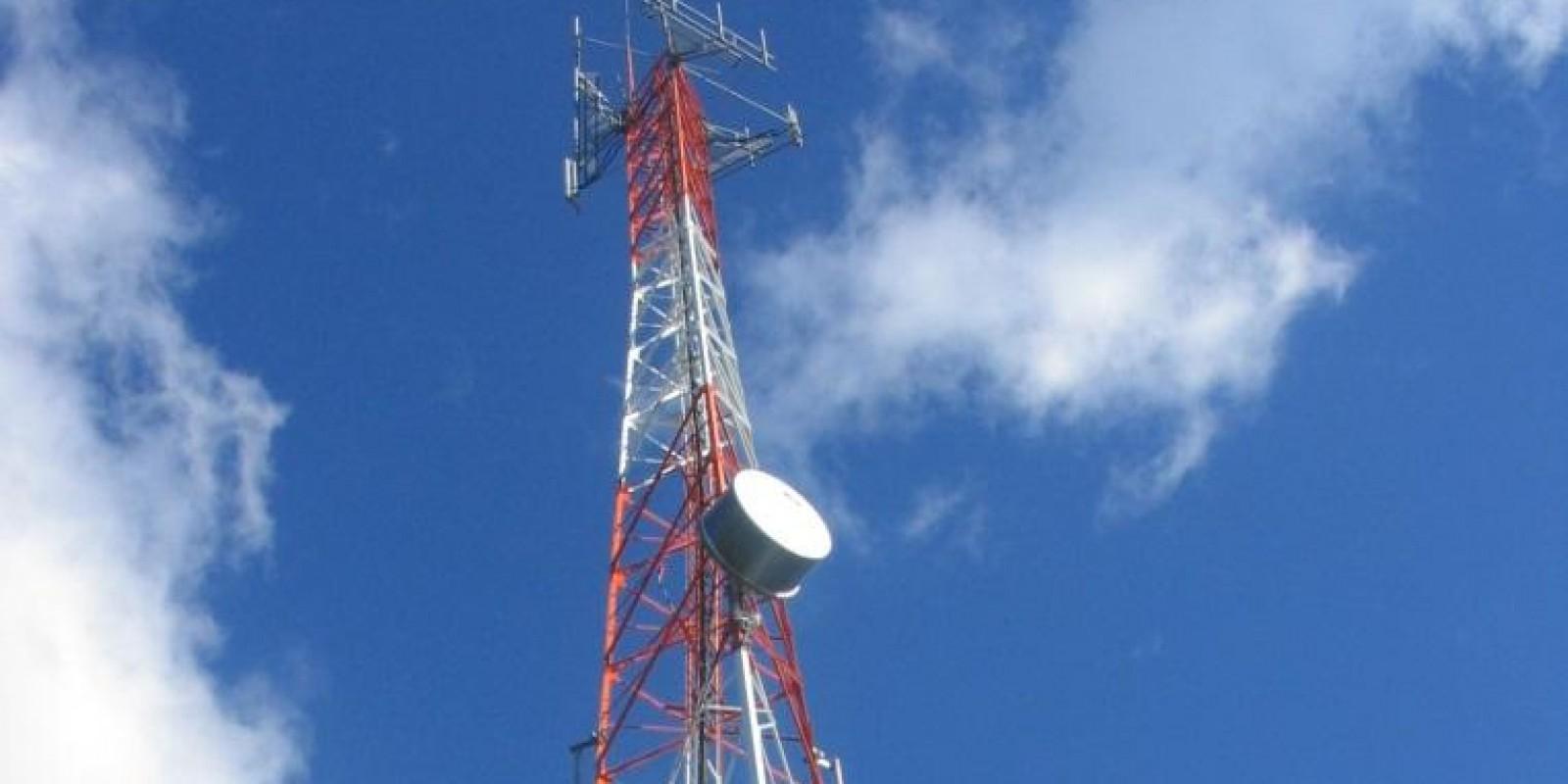 Torre de telefonia celular em Cotijuba tem sinal até o Vai Quem Quer
