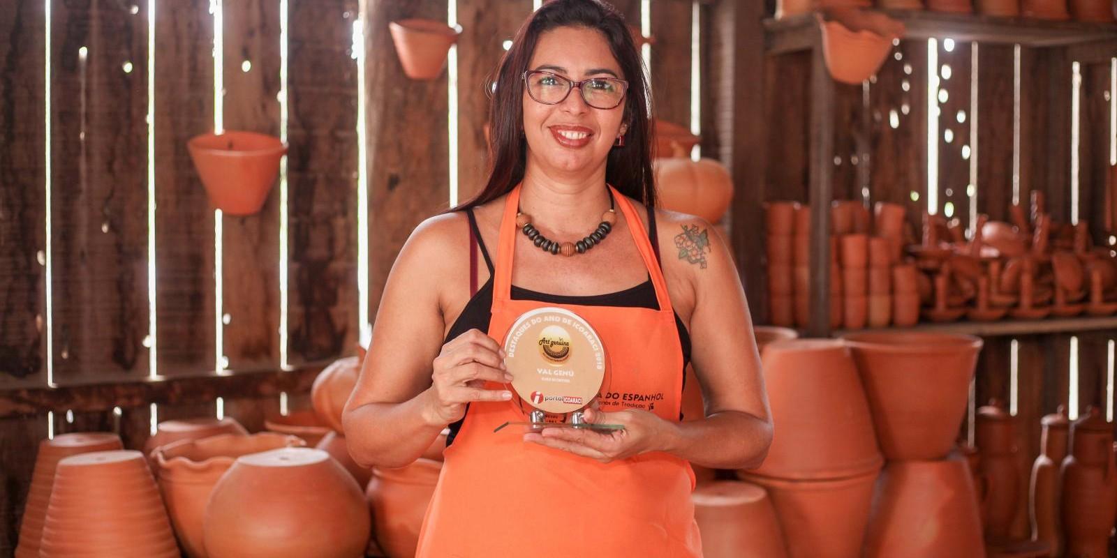 Val Genú - Eco Joias em cerâmica artística do Ano de Icoaraci
