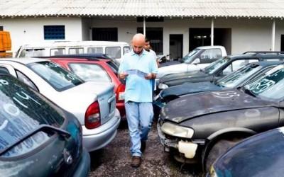 Semob leiloa mais de 500 carros e motos que foram retidos em apreensões