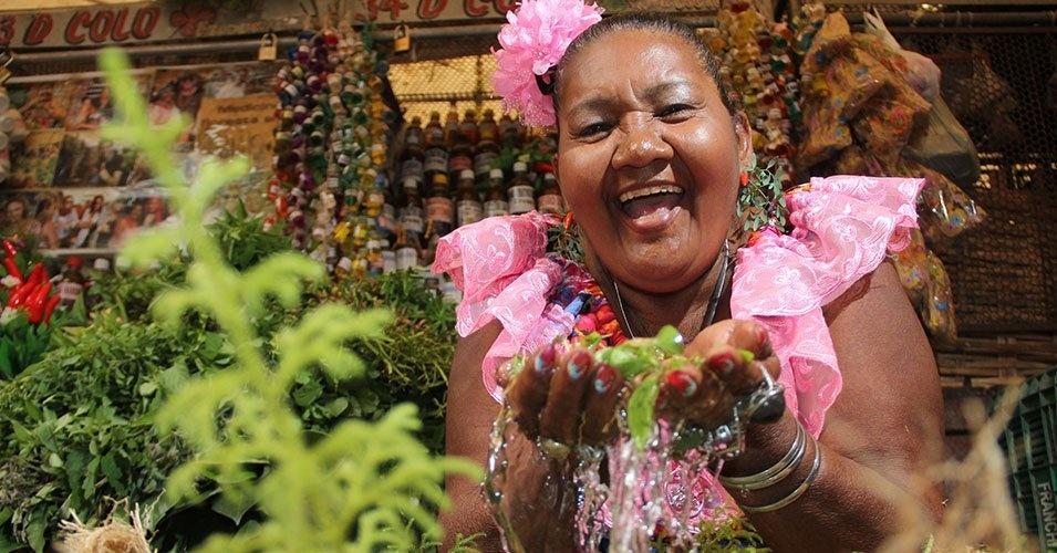 Banho de cheiro é tradição em junho