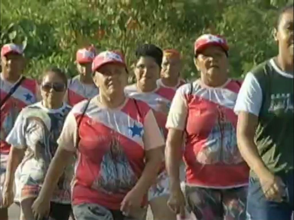 Romeiros do interior do Pará começam caminhada pelas estradas até Belém