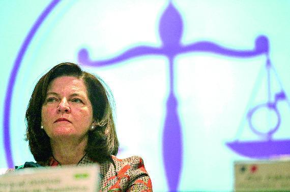 Procuradores pedem aumento salarial