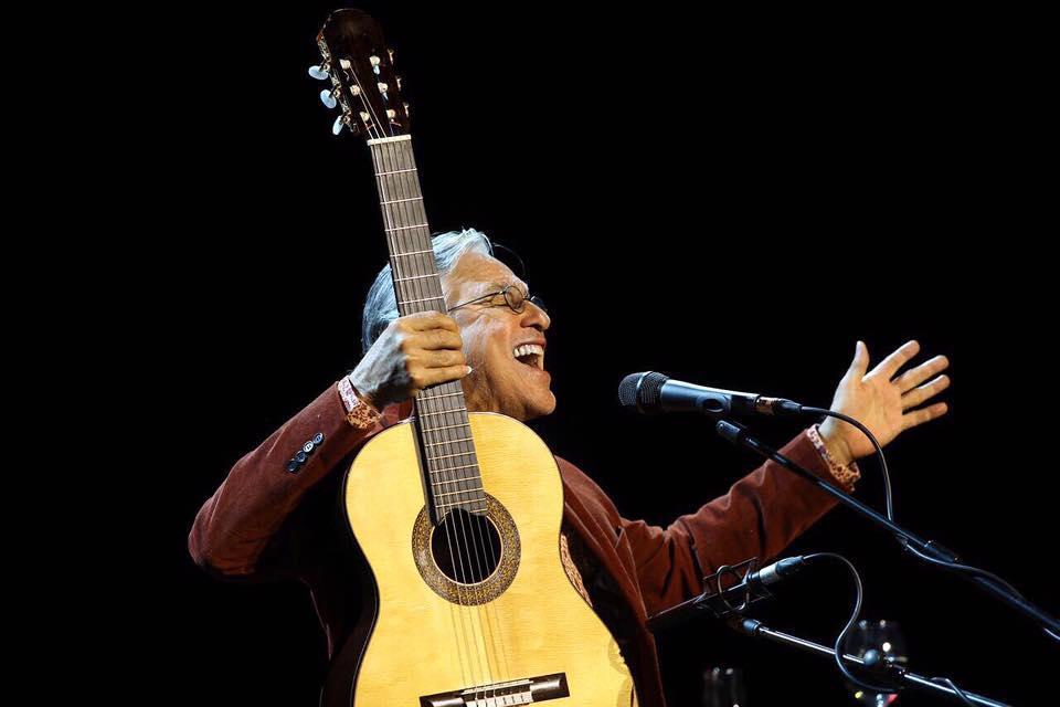 Caetano Veloso canta em Belém