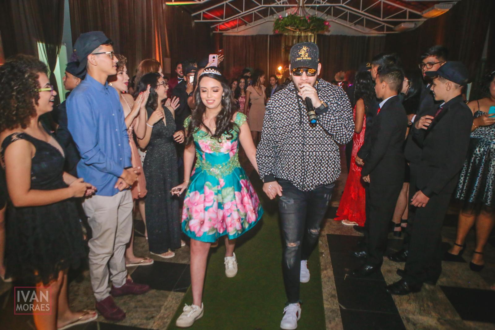 A luxuosa festa de 15 anos de Lívia