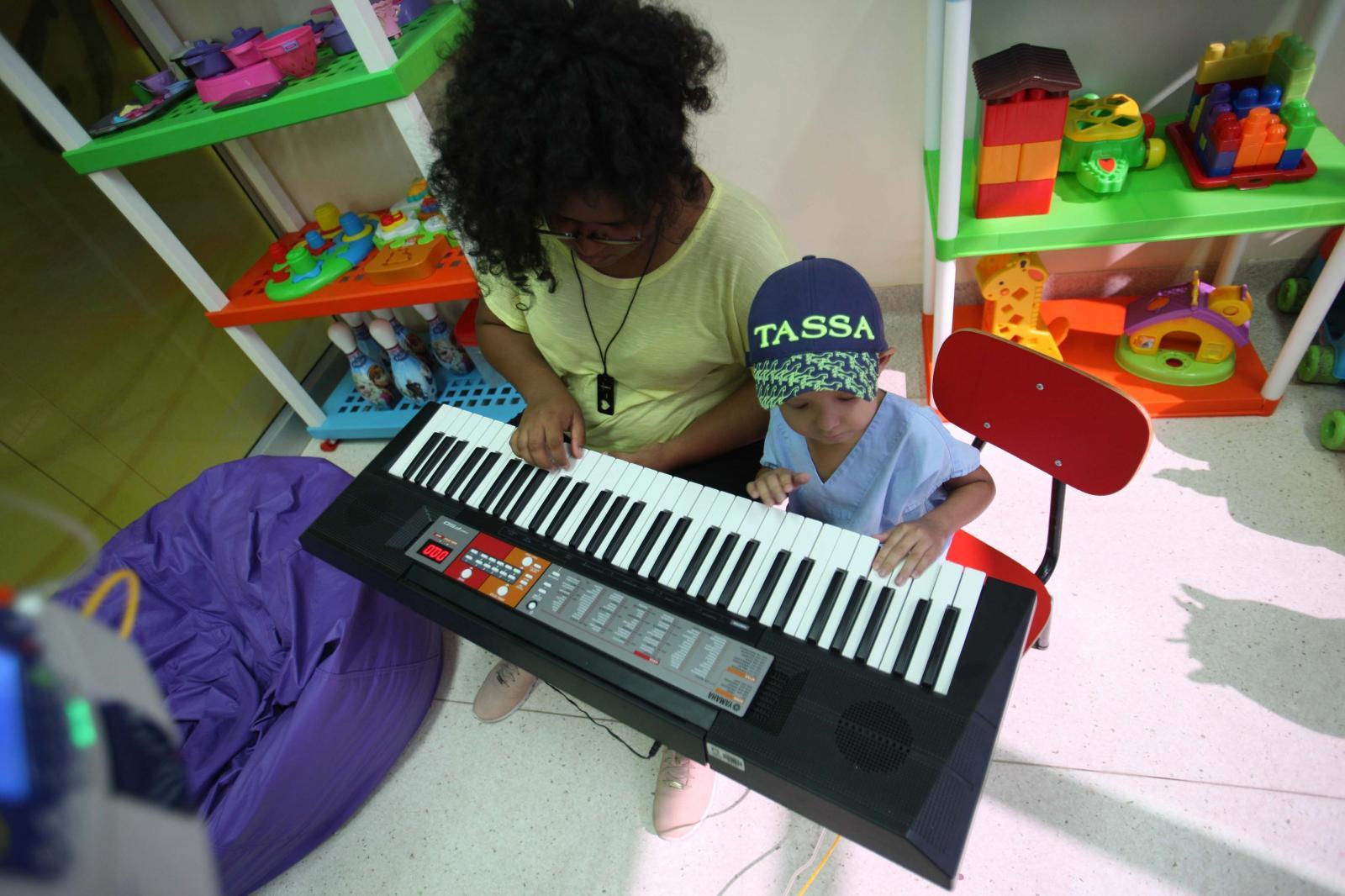 Música auxilia tratamento de crianças que lutam contra o câncer no Pará