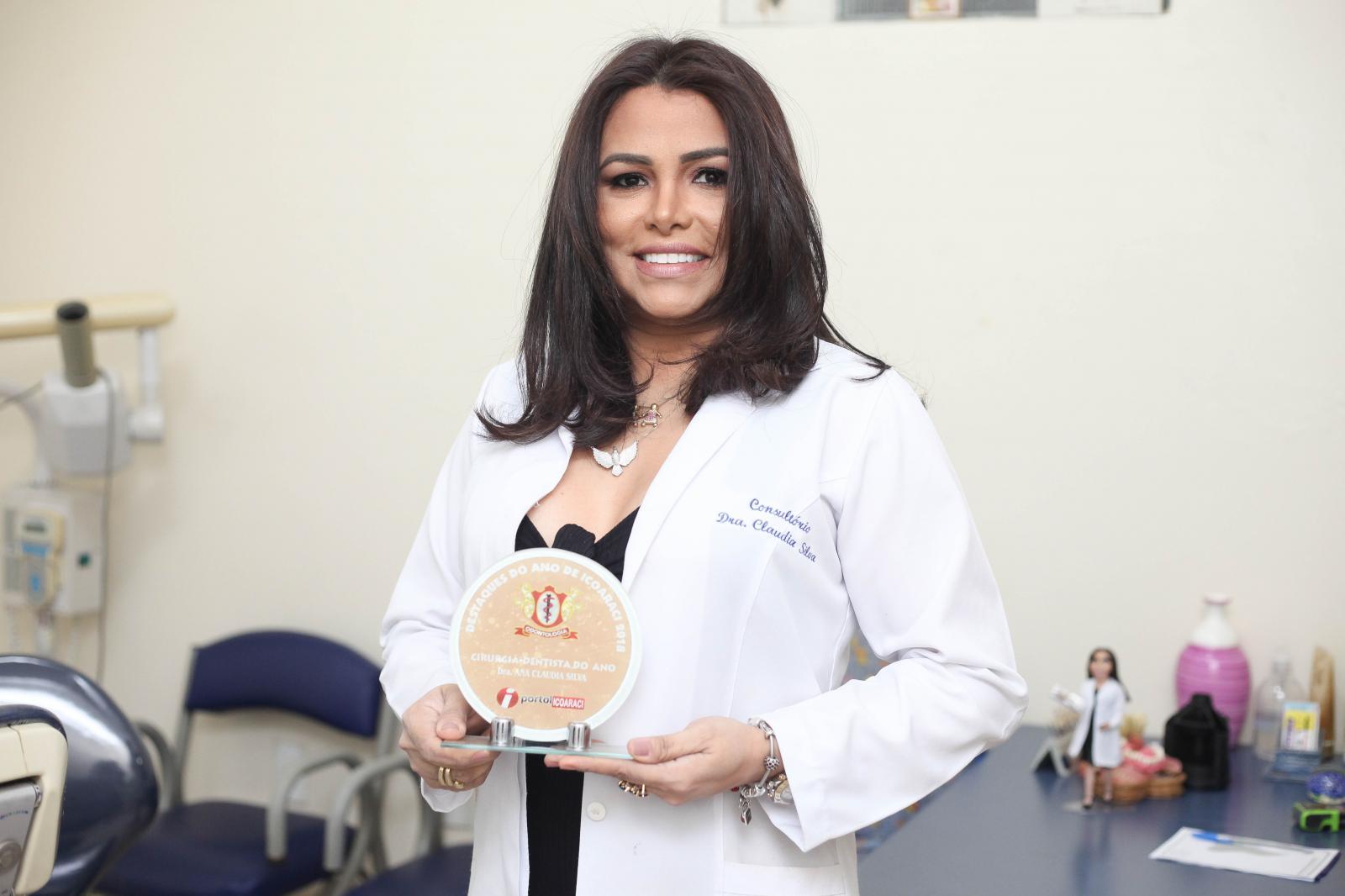 Dra Ana Claudia Silva - Cirurgiã Dentista do Ano de Icoaraci