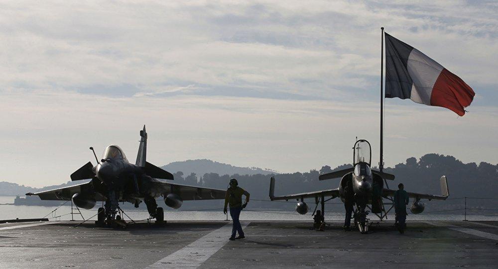 Ministra francesa promete atacar Assad de novo